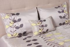 Navia Queen Bedding Set