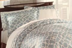 Sara Queen Bedding Set